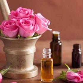 Зошто се користи розата во парфемите?